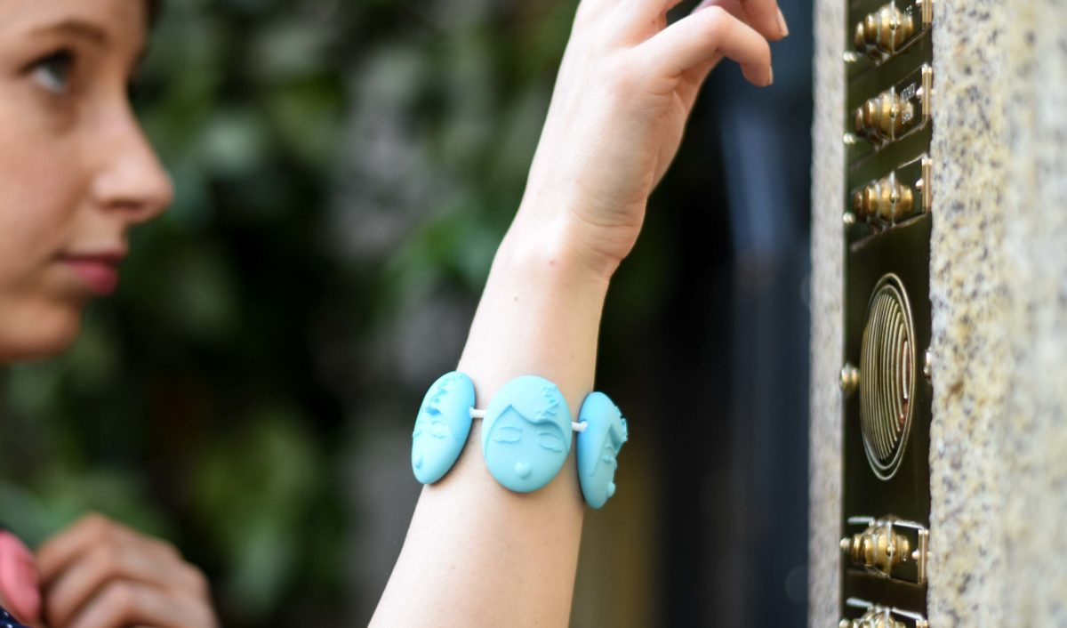 sleepy emotions bracelet blu
