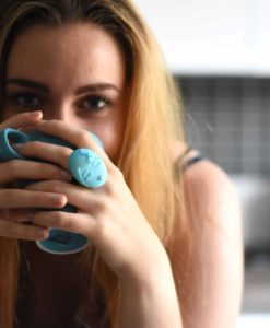 ragazza con la colazione I'm sleepy anello emotions blu